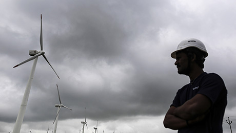 Oil Crash Leaves Renewable Energy Shaken but Unbowed